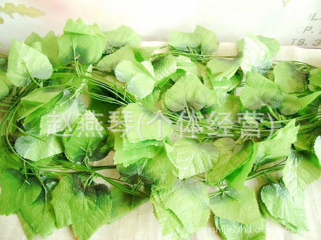 2015 New Flower Scrapbooking Decoracion Boda 2.5 M Long 30 Grape Leaves! Yiwu Factory Direct Wholesale Artificial Flowers Vine(China (Mainland))