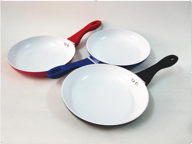 Hot Selling Eco Friendly 24cm saucepan Ceramic Coating Nonstick Healthy frying pan(China (Mainland))