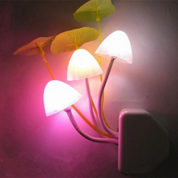 EU/US Romantic Colorful LED Mushroom Night Light Dream Bed Lamp Home Illumination Party Decoration GM182(China (Mainland))