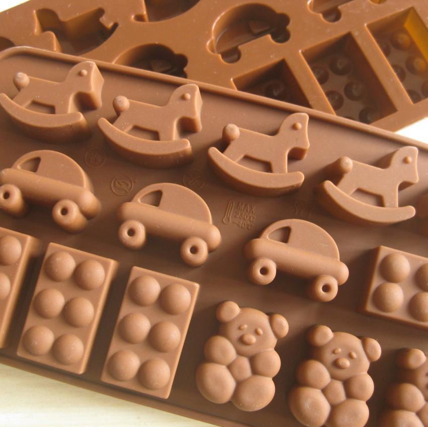 O envio gratuito de 60 pçs/lote cavalo dos desenhos animados urso forma do carro Muffin caso Jelly doce bolo de gelo molde de Silicone Mold Baking Pan bandeja(China (Mainland))