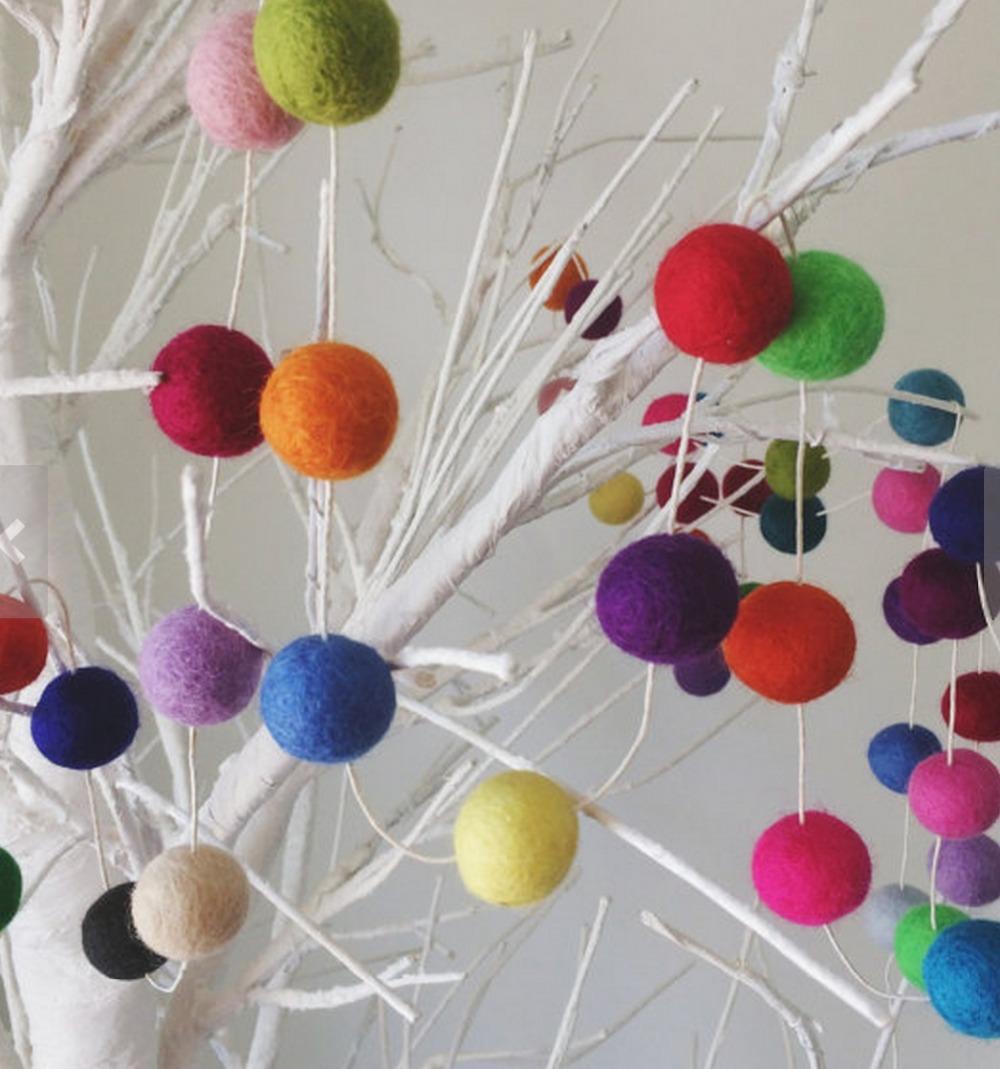 Multicoloured Felt Ball Garland, 2cm, 20 FEET 6.1 METERS 100 wool felt balls, 100% wool, girls room, girls nursery(China (Mainland))
