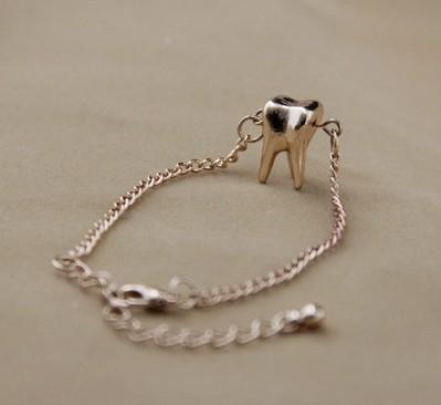 YP0649 Hot popular personality bracelet European and American trade jewelry fashion bracelet bracelet female teeth(China (Mainland))