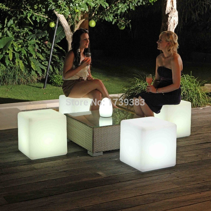 HOT!40CM 100% unbreakable led Furniture chair Magic Dic LED Remote controll square cube luminous light for variety of occasions(China (Mainland))
