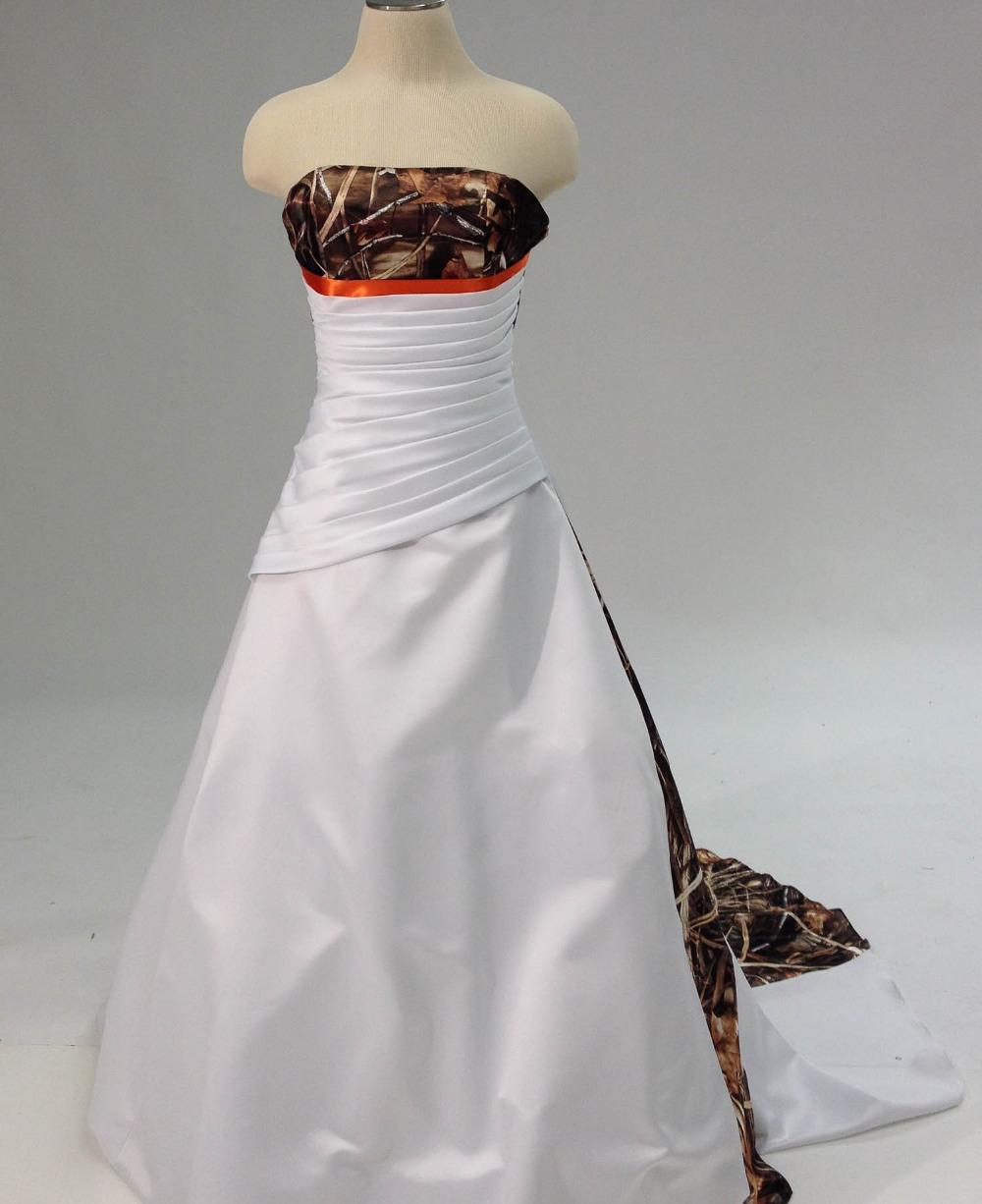 Blanco y vestido de boda de Camo