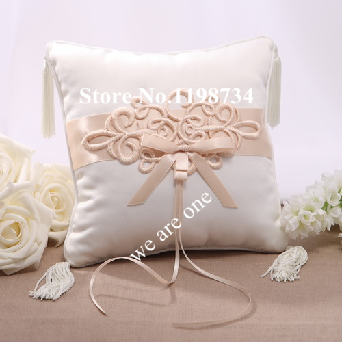 White Beige Satin Wedding Favors Wedding Ring Pillow Bridal Supplies Bow for Wedding Parties and Anniversaries 20*20cm PL8979(China (Mainland))