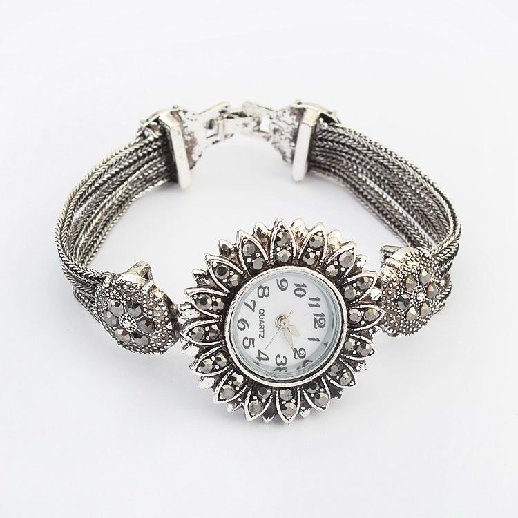 European and American personality sunflower bracelet wrist watch Alloy rhinestones women bracelet watch(China (Mainland))