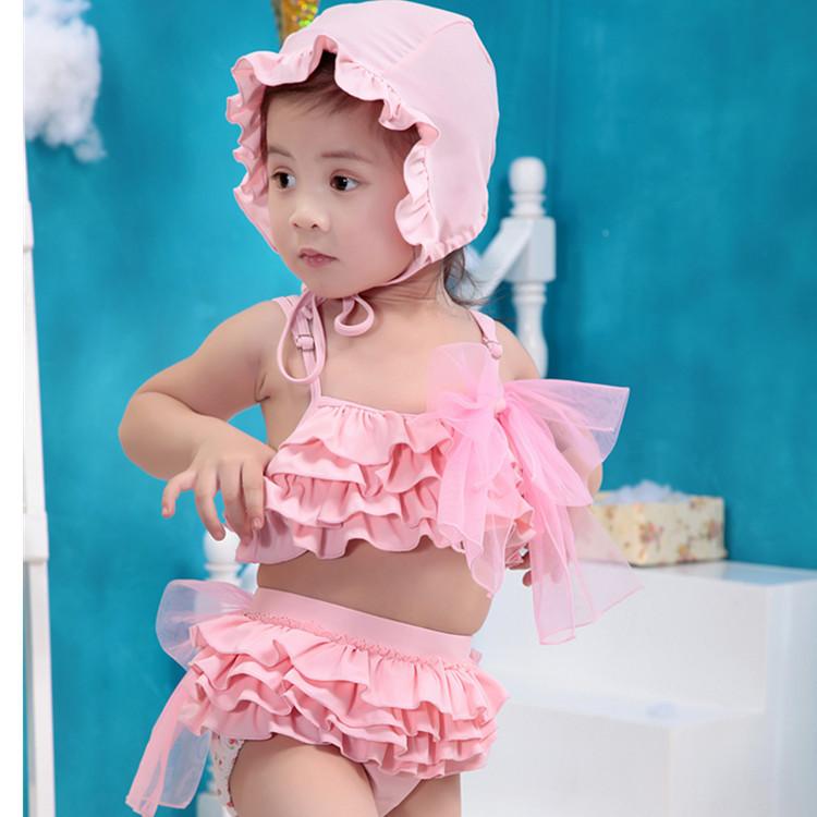 Children in swimsuits female baby boy child cute swimsuit split swimwear girls swimming cap containing 8898(China (Mainland))