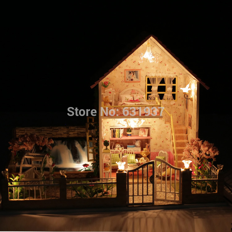 2015 New Arrive Miniatura Wooden Doll House include furniture,Light Miniature Dollhouse For Children Toys Birthday Gifts Free(China (Mainland))
