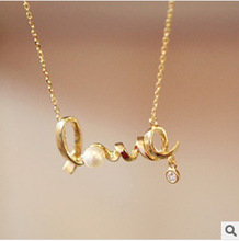 hot sales Special Korean jewelry gently around the heart of love chic love necklace free shipping