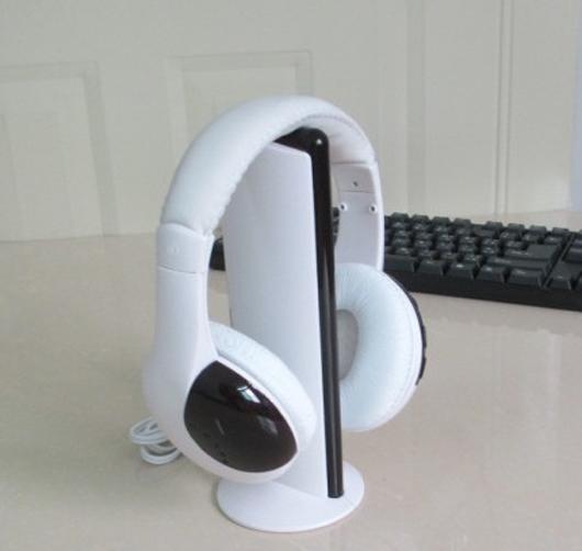 white 5 in 1 Wireless stereo Headphone headset TV HIFI CHAT MP3 transmitter 30m Gaming Headphones(China (Mainland))