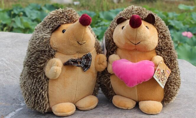 17cm hedgehog plush toys, hedgehog peluche creative lover couple wedding dolls, hedgehog stuffed animal doll(China (Mainland))