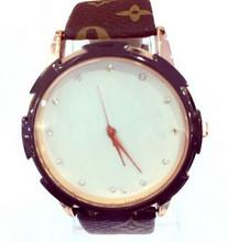 2015 Mulheres Moda Relógios Casual Hot Sale Quartz Analog Watch relógio de couro Atacado