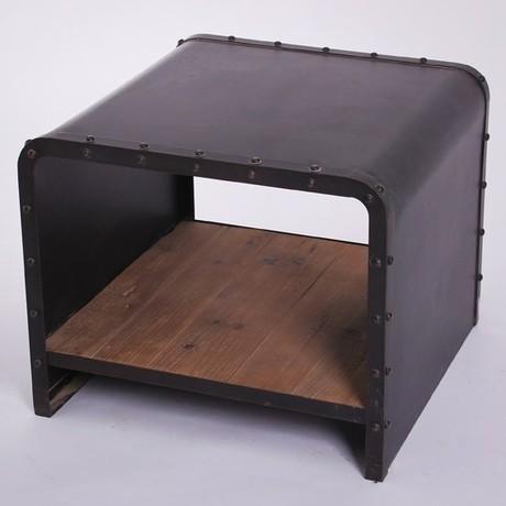 Meubles r tro am ricaine rivets de fer forg vieille table for Table de chevet en fer forge