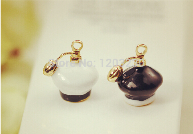 New arrived White/Black Alloy drop oil gold plated 3D Perfume bottles metal jewelry charms diy necklace/earring/bracelet pendant(China (Mainland))
