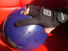 Bowling ball fornisce bruns stoppino per bowling guanti antiscivolo nero  (China (Mainland))