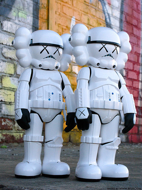Fake kaws original/ Star Wars doll / Stormtrooper(China (Mainland))