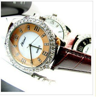 Free shipp Wrist Watch love  No 21hot Fashion 2010 spring