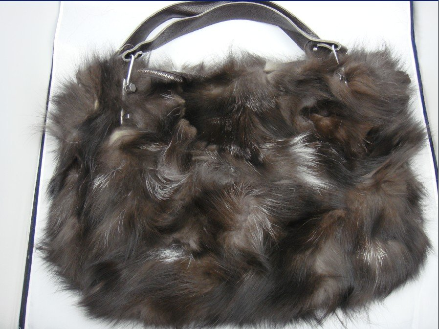 free shipping - Fashion fur bag fox fur bag ,ladies' handbags ,top quality with animals(China (Mainland))