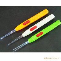 Free shipping Flashlight Earpick,ear wax remover,earpick,light ear spoon,ear tools,ear cleaning,novelty