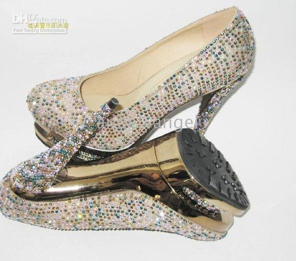 2010 Soft cheek with diamonds waterproof taiwan round toe fashion women's super high heels .(China (Mainland))
