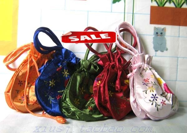 WHOLESALE LOTS 20 EMBROIDERED Silk GIFT BAGS/POUCH(China (Mainland))