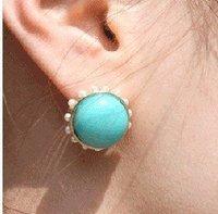Resin earring looks glorious fashionable