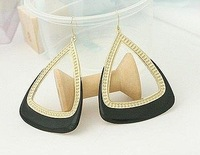 Free shipping Ladies&amp;#39; fashion delicate earrings, Beautiful beautiful triangle shape earrings, (10 pairs/ lot)