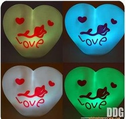Colorful Night Light Colorful Love changes Love heart Nightlight / romantic love and light(China (Mainland))