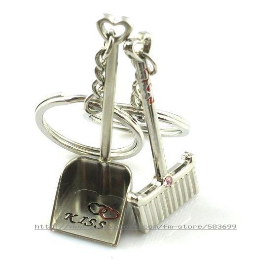 f4014 free shipping 12pcs Broom and dustpan key chain women key rings(China (Mainland))