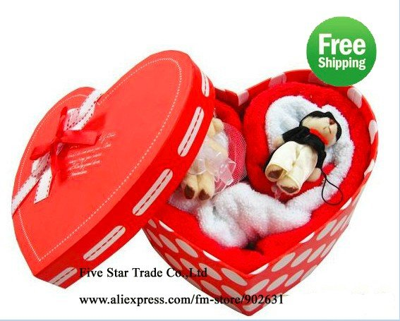 Retail~Free Shipping/Accept Credit Card,Paypa/With 2 Cute Bears~New novelty heart shape wedding towel cake set(China (Mainland))