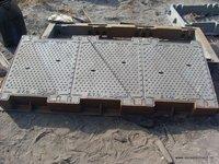 1984x850 heavyduty triangle telecom manhole cover