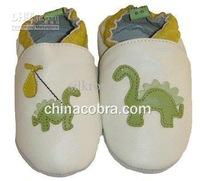 China made top quality kids shoes 2011 new design ( leather) warm baby shoes 0-4 years animal