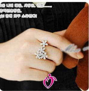 wholesale/retail free shipping flower love ring fashion ring beautiful ring best gift for girl 100% gauranteed(China (Mainland))