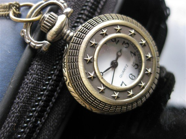 Wholesale 30pcs antique quartz pocket good design watch the best christmas gift(China (Mainland))