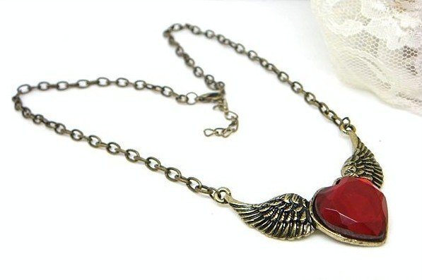 Korean jewelry, fashion, hot sale, bronze, vintage, wings, heart-shaped ruby necklace free shipping 20pcs/lot(China (Mainland))