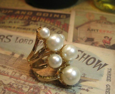 Europe&USA Retro Noble& royal luxury pearl rings/retro Palace pattern jewelry wholesale trade(China (Mainland))