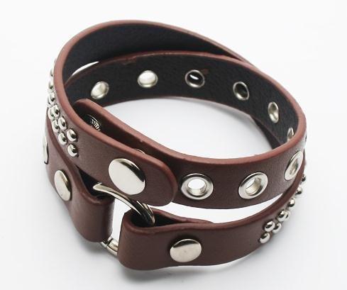 40 unidades / lote venda quente. Rebites pulseiras de couro personalizados pulseira / transporte livre (preto e marrom)(China (Mainland))