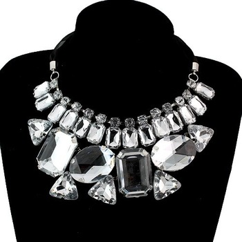 Fashion Necklaces For Women / necklaces wholesale / Jewelry Wholesale / Clothing Ladies Necklace