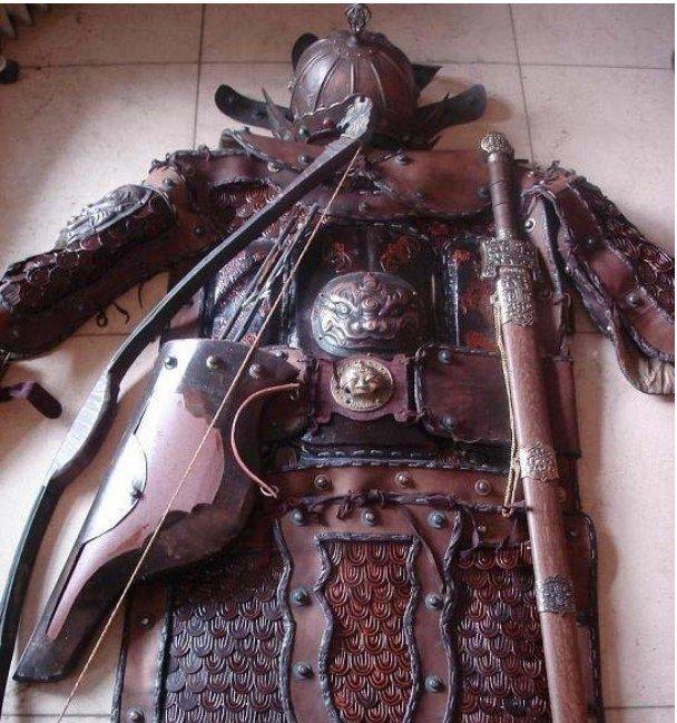 Rare terno Oriental antiga do arco guerreiro de armadura e espada(China (Mainland))