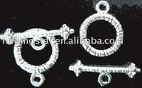 FREE SHIPPING 210sets Tibetan silver carved circle toggle clasps A717