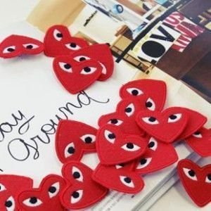 100pcs/lot Fashion Novel Heart Shape Embroidery Cheap Red Brooch Pin Badget Hot sale in Korea Play Brooch Novel gift(China (Mainland))
