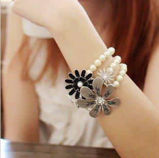 Dd016 miudo adorn article elegant flower three-layer pearl bracelets euramerican female restoring ancient  bracelets