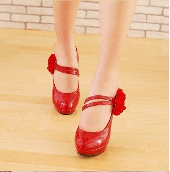 Free shipping 2011 Europe spring fashion shoes, new waterproof round flower wedding shoes, high-heeled shoes
