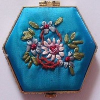 Free shipping! Wholesale 10 PCS CHINESE HANDMADE EMBROIDER SILK MIRROR, 100% quality assurance mirror