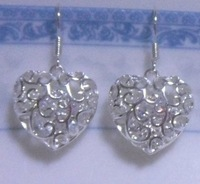 Earrings.18K GP White Gold Earrings.Free shipping.Gift insurance. Provide tracking numbers..Fashion jewelry.