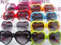Discount Fashion Party candy color heart shape sunglasses Personality peach heart sunglass Women's Multicolor New 15pcs/lot