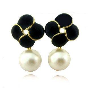 Wholesale Hot Sale! Wholesale 50Pairs/Lot Four-Leaves Pearl Pendant Stud Earrings, Pearl Earrings, Free Sh ...