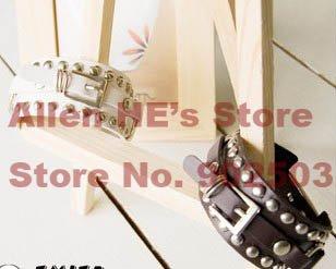 Ppular design de moda pulseira de couro rebites de Metal e fivela + grátis frete(China (Mainland))
