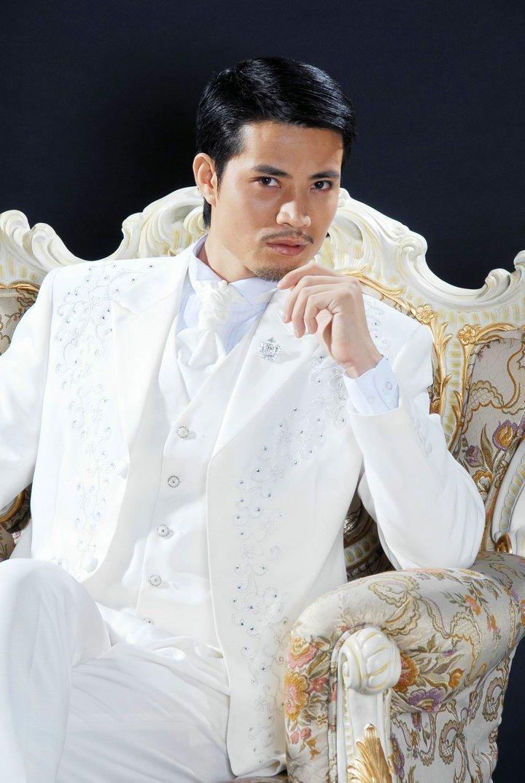 Wholesale 2010 new Men wedding Bridegroom Suit Groom Tuxedos