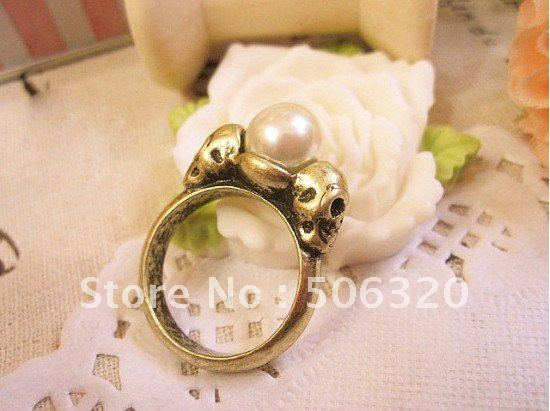 0002205 to restore ancient ways double-sided skeleton head concise pearl ring(China (Mainland))